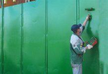 красить забор валиком